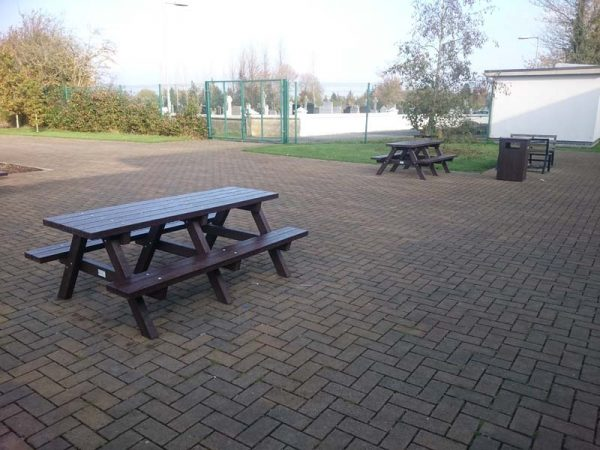 Clareen Picnic Table Img12