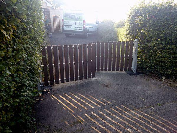 recycled plastic gates photo101