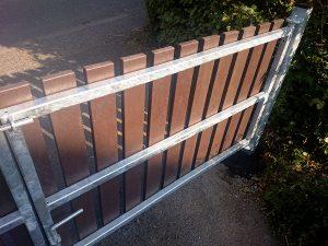 recycled plastic gates photo4