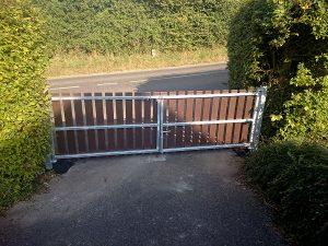 recycled plastic gates photo5