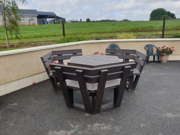 Picnic Table with backrest A1